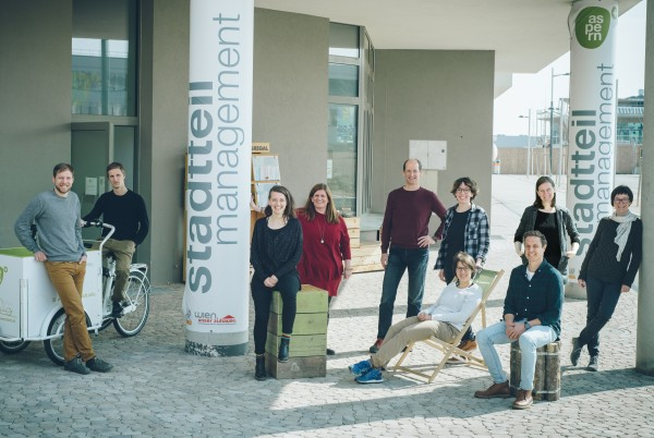 Team photo of the Neighbourhood Management Seestadt Aspern